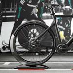 A Mercedes-AMG elektromos kerékpárban is Forma–1-es szintet ad