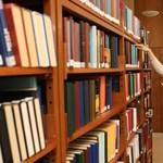 Évente legalább ötven könyvet kellene elolvasniuk a brit diákoknak