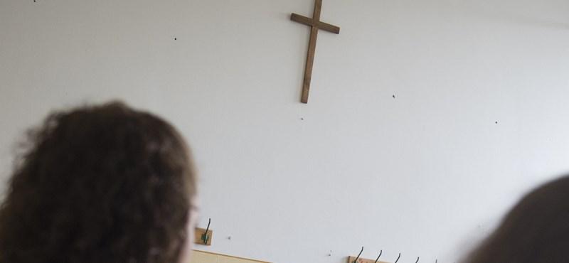 Mendrey: A kormány elitiskolákat akar létrehozni az állami iskolák rovására