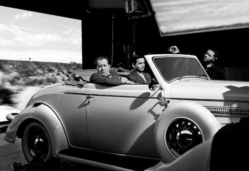 Hollywood aranykora előtt tiszteleg David Fincher, miközben a tévére cserélte a mozit