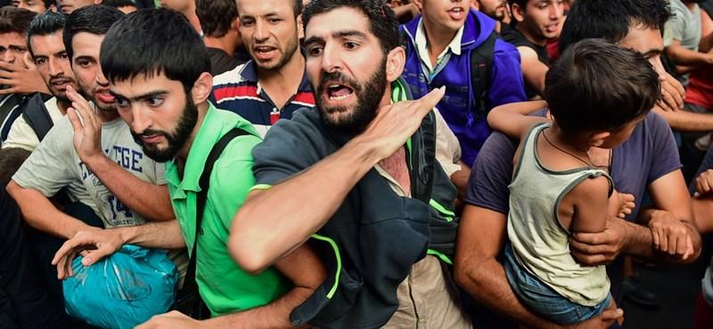 Hamis szíriai útlevelekkel jutnak be migránsok az Unióba