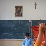 Keresztény dalt énekeltek az iskolában, vallási radikalizmussal vádolják a szülőket