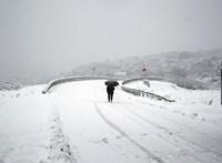 Újra jön a nagy havazás, hat megyére adják ki a figyelmeztetést