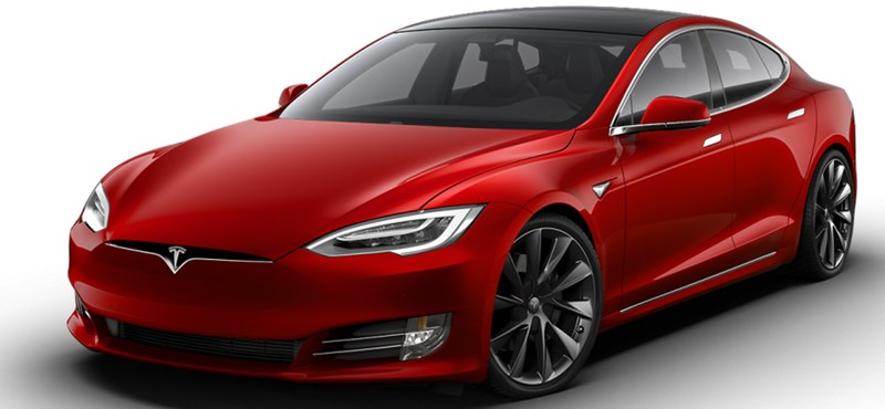 Megnövelték az összes Tesla hatótávját