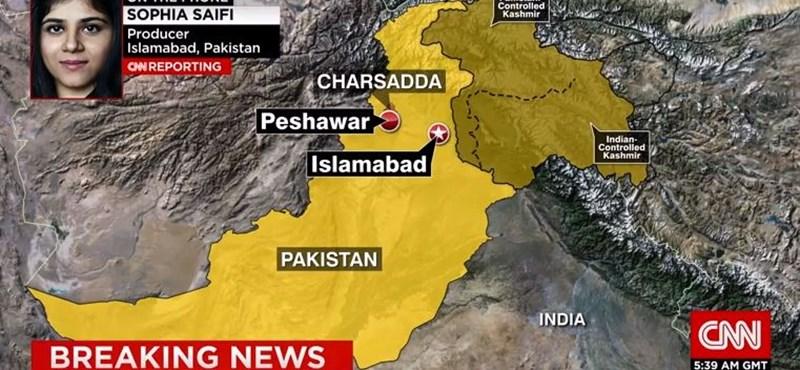 Fegyveresek rontottak be az egyetemre, 3 ezer diák lehet veszélyben Pakisztánban