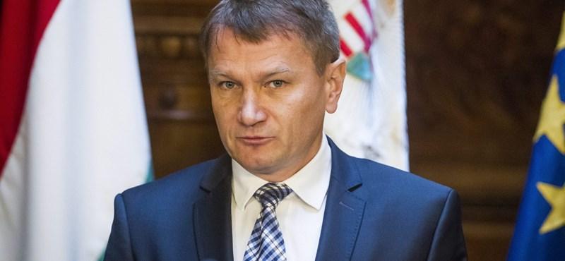 Az államtitkár elmagyarázta: az MSZP-s kormányok miatt halnak korán a magyarok