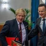 FT: A brit kormány teszi a szépet az illiberális Orbánéknak