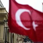 Ezreket vettek őrizetbe, műsorokat tiltottak be Törökországban