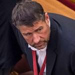 """Simonka György védelmébe vett egy """"okosba"""" megépített hidat"""