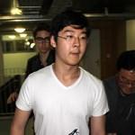 Fotó: Megérkezett Párizsba Kim Dzsong Il unokája