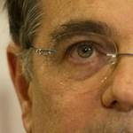 Fricska a kormánynak: közgazdászhallgatóknak adja fizetését Simor