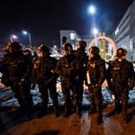 Fegyveres őrökkel kerültek szembe az MTVA-ba bejutott ellenzéki képviselők
