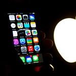 Jönnek a mínuszok: a csúcsok csúcsa után csúszós lejtőn van az Apple
