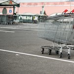 Bombariadó miatt ürítették ki a budaörsi Auchant