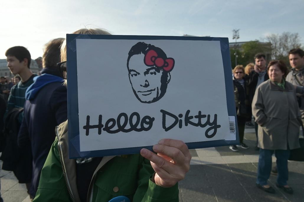 tg.17.04.12. - Hősök vétója - tüntetés a civilek és a CEU ellehetetlenítése ellen