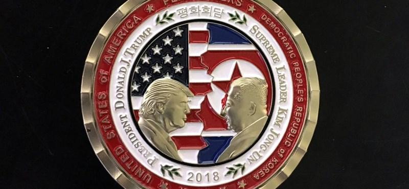 Elkapkodják az elmaradt Trump–Kim-csúcstalálkozó emlékérmeit