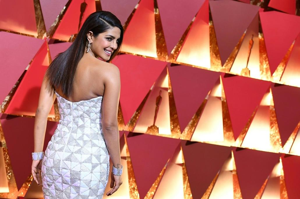 afp.17.02.27. - Hollywood, USA: 89. Oscar-díj - érkezés - Priyanka Chopra - Oscar-díj 2017