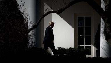 Egy újabb botránykönyv miatt Trump kezdi elveszíteni a fejét