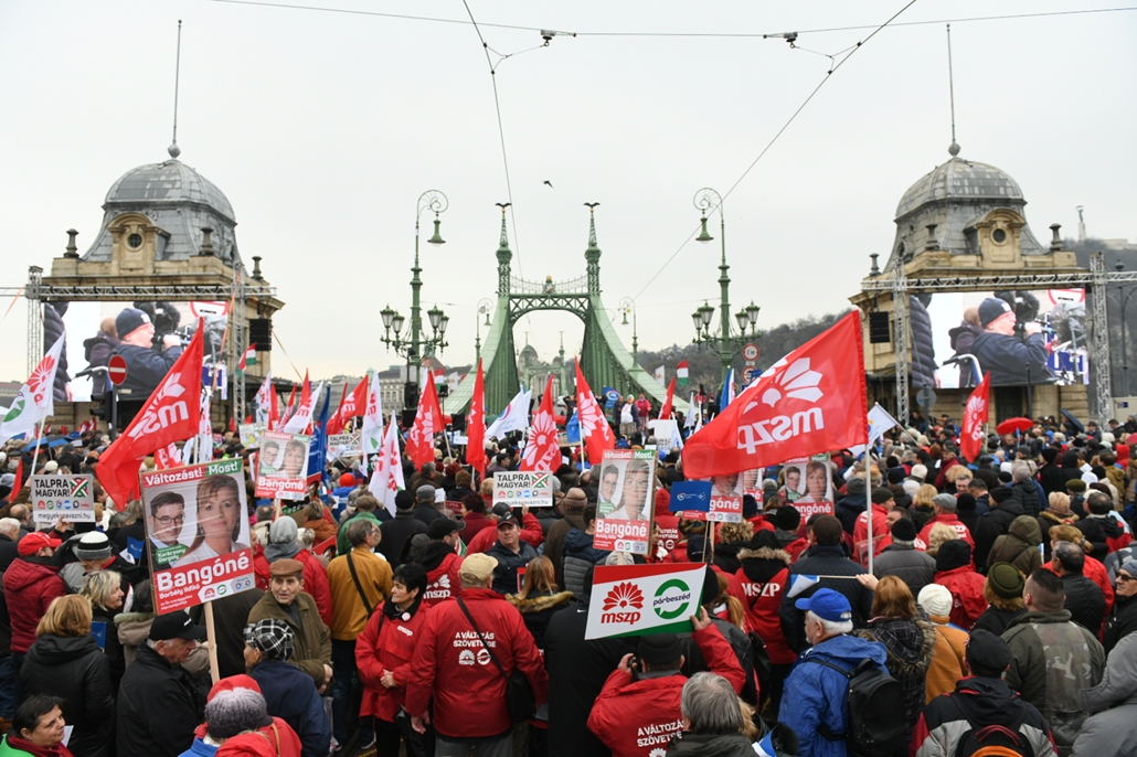 rev.18.03.15. 2018marcius15 - Fővám tér Mszp DK liberálisok Talpra Magyar