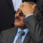 Tízezrek követelik a jemeni elnök és fiai távozását