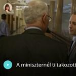 Megállította egy tiltakozó diák Balogot a folyosón - videó