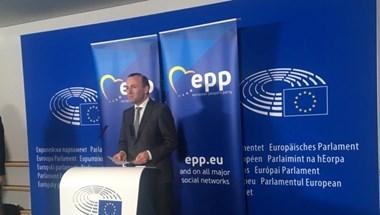Hivatalos: Felfüggesztik a Fideszt a Néppártban