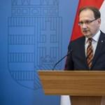Hoppál Péter miniszteri biztos is elkapta a koronavírust