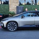 Exkluzív: kipróbáltuk a Tesla-verőnek kikiáltott 1050 lóerős új villanyautót