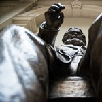 Nem csak Marx szobra tűnt el a Corvinus aulájából