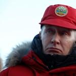 Fotók: Putyin ismét hősi pózba vágta magát, ezúttal az Északi-sarkon