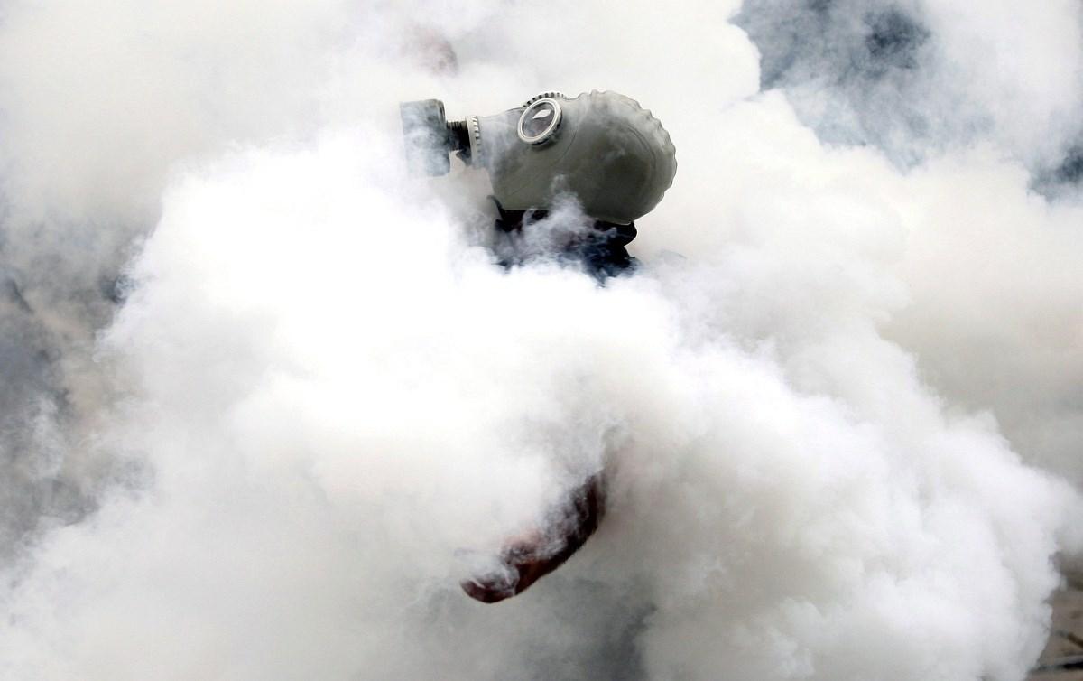 Barikád, könnygáz, fejlövés - éjszaka is folytatódtak a zavargások Törökországban - Nagyítás-fotógaléria