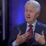 Hatalmas internetes támadás foglalkoztatja Bill Clintont