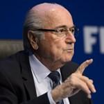 Távozik posztjáról Joseph Blatter, a FIFA elnöke