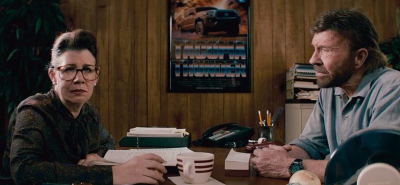Szuperhőssé tesz Chuck Norris érintése egy Toyotát?