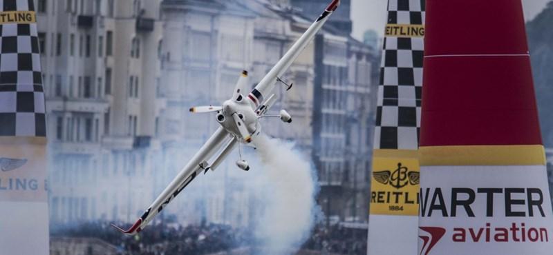 Lezuhant és meghalt a Red Bull Air Race egyik pilótája
