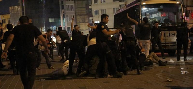Puccskísérlet után káosz és baljós bizonytalanság Törökországban