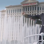 Ki ez az elfuserált DiCaprio a Titanicot éneklő Celine Dion mögött?