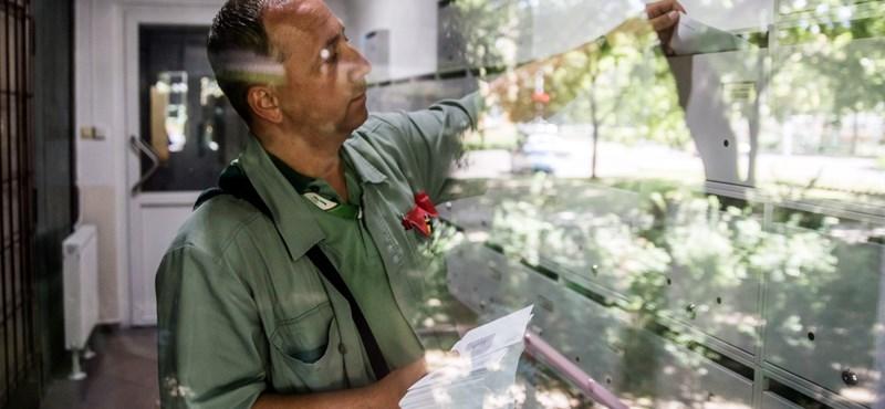 A magyar postás már egyszer sem csönget? Ünnepi hajsza és pótfeladatok a kézbesítőknél