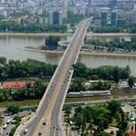 Baleset miatt lezárták Flórián téri felüljárót (és nem az  Árpád-hidat)