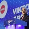 Autoriter vezetőként beszélt Orbánról John Oliver
