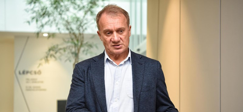 Vádat emeltek Varju László ellen