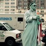 Éld át New York karácsony előtti pezsgését! (videó)