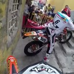 Ez nem akciófilm, hanem egy belvárosi motorverseny – videó