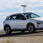 Már kapható a Hyundai percek alatt feltölthető villanymotoros autója, ráadásul féláron