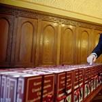 """""""Pállik fekáliája szaga, mert telefröccsentette"""" – kiakadt Kerényire az mno.hu főszerkesztője"""
