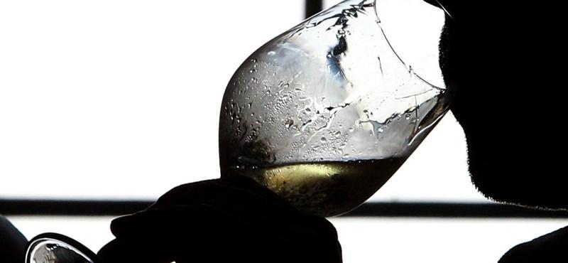 Az alkoholfogyasztásból élők eurómilliókat áldoznak az alkoholizmus elleni harcra