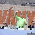 Eljött Orbán ideje, újra övé a nagyszínpad