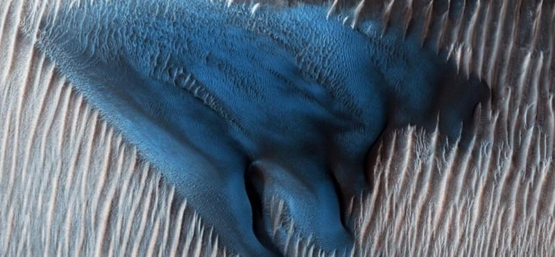 """""""Kék"""" homokdűnét fotóztak a Marson"""