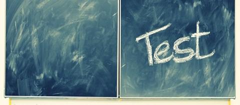 Családbarát vizsga az ELTE-n: ölében kisfiával vizsgázott egy levelezős hallgató