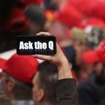 A YouTube is odavág a QAnon szélsőséges mozgalomnak, törlik a videókat, sőt a csatornákat is
